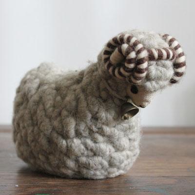white_sheep_figurineA1.jpg